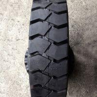长期供应7.00-12工程机械轮胎 叉车充气轮胎 防滑耐磨电话15621773182