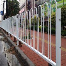 中山甲型隔离栏安装 佛山马路U型护栏定制 湛江安全栅栏栏杆