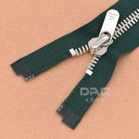 大器拉链DAQ品牌:过检针手袋拉链,包包拉链,金属拉链个性定制