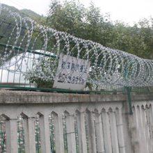 铁路金属防护隔离栅 梅州高铁边框围墙网 广州铁道围栏价格