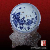 手绘粉彩、青花陶瓷纪念盘