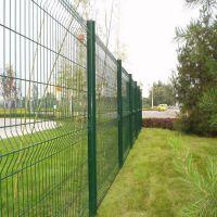 厂家供应桃型柱护栏网 公路专用铁丝防护网 车间隔离