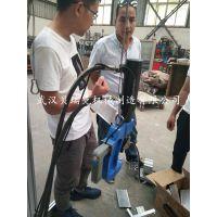 自冲铆接机被国外引进用于铝合金梯子生产