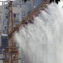 天津塔吊喷淋系统,建筑工地降尘除尘喷雾系统安装