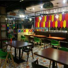 肇庆茶餐厅桌椅订做,铁艺木纹软包扶手A字椅子批发