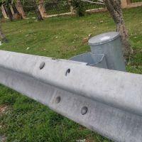 南昌波形防护栏厂家道路隔离波浪护栏双波护栏板批发