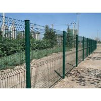 厂家直销三角折弯护栏网、折弯护栏网