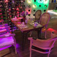 麦德嘉MDJ-ZT01主题餐厅桌椅 胡桃里家具 咖啡厅音乐餐吧全实木组合餐桌椅