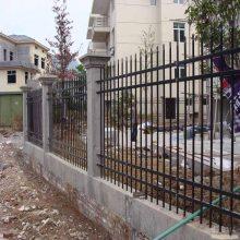河源工地项目部锌钢围栏现货 蓝白色小区栅栏价格 河源别墅铁艺护栏定做
