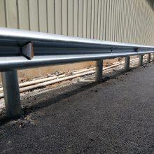 新航 厂家供应 高速路热镀锌波形护栏 波形梁隔离栏