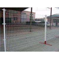 折弯护栏网 桃型柱隔离栏