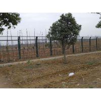 汉十公路护栏网价格 武汉博达丝网厂生产公路护栏网 这家护栏卖火了啦