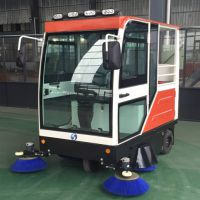 高洁新款上市电动扫地车GJ-2000高环保全封闭智能扫地机