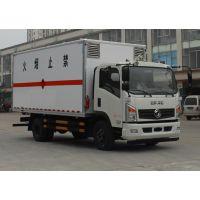 东风多利卡厢长5米1国五易燃气体厢式运输车