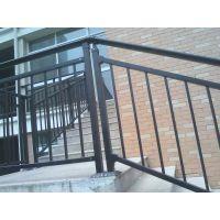 河南安阳 鹤壁厂家现货供应楼梯护栏、安全防护新钢护栏