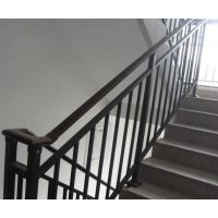 Q235新乡烤漆楼梯扶手,新乡仿木纹靠墙扶手,组装围墙护栏,HC锌钢楼梯护栏,锌合金百叶窗