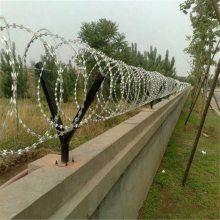 机场刺绳护栏网 螺旋防盗网 防爬带刺铁丝网