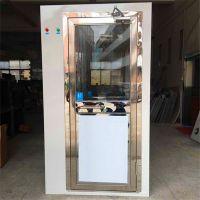 风淋室箱体材质:外冷板,内304不锈钢 可以兼气闸室的作用 带语音提示系统