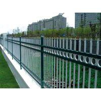 怀化喷塑围墙栏杆Q235,怀化组装围墙栅栏,仿木纹道路护栏,京式交通隔离栏HC,