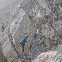 隆恩山体挂网 SNS主动钢丝绳防护网