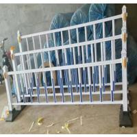沈阳标准型交通市政公路护栏@聚光厂家供应锌钢道路围栏