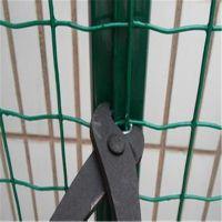 山东烟台威海万通丝网专业生产果园围山铁丝网绿色铁丝网特殊规格可加工定做