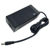 12.6V电池组充电器 xinsuglobal UL FCC认证 12.6V5A锂电池充电器