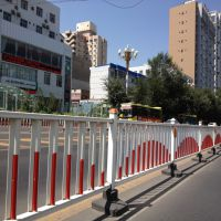 HC唐山京式隔离栏,唐山交通道路护栏,Q235锌钢河道围栏,组装式围墙栏杆,景观仿竹栅栏