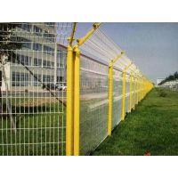 厂家订购桃型柱护栏网 三折弯桃型柱防护网 小区桃型柱护栏电话
