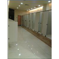 克拉玛依:国展定制公共厕所隔断隔墙洗手间隔板小便挡板抗倍