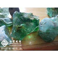 大块彩色玻璃石工程园林绿化景观工程蓝色玻璃石茶色玻璃石景观装饰材料玻璃石
