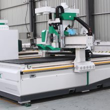 板式家具厂都需要那些设备 (数控开料机,封边机、数控侧孔机)