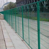 朋英厂家销售公路围栏防护网浸塑铁丝公路围栏防护网专业