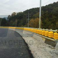 厂家直营新型旋转护栏、公路旋转式防撞桶、高速公路护栏、转子护栏