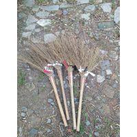 什么是好扫帚·、用过才知道。金竹牌大竹扫帚,柄长轻便高效,牢固赖用,超值无比。