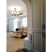 长沙家装企业打通了主卧和客厅之前的墙,安装成窗户,暗厅立马变明厅!