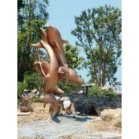 广东原著雕塑艺术 厂家纯手工玻璃钢仿铜海豚雕塑 小区广场园林摆饰