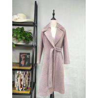 广州伊曼服饰品牌女装折扣尾货批发,欧莎玛卡羊绒毛大衣