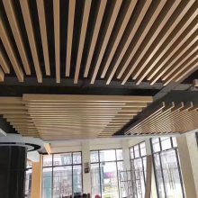 供应长春造型铝方通 70x40铝方通 凹槽铝方通 木纹铝方通厂家