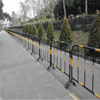 现货供应铁马护栏@铁马护栏规格尺寸@黑黄钢管围栏