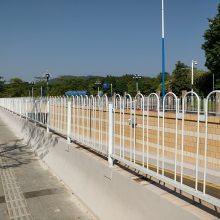 潮州机动车中心隔离栏 京式人行道护栏 潮州交通安全隔离栏现货