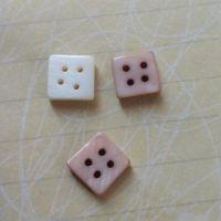 方形四眼贝壳纽扣塔螺贝壳钮天然纽扣果实扣