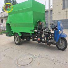 乌海市柴油型撒料车 电动机喂牛抛料车 润丰 种羊基地投喂车