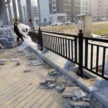 锌钢道路防护围栏 珠海马路中间护栏现货 广州市政护栏网厂家