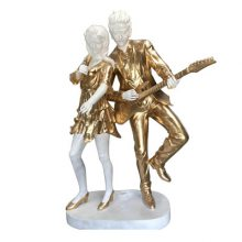铸铜劲歌热舞造型雕塑仿真弹吉它男女歌手雕像玻璃钢描金现代时尚乐队组合人物塑像现货