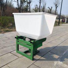 畅销前置撒粒施肥器家用传动轴扬肥机轻便耘耕撒肥机追肥机