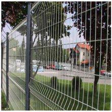 东莞水泥厂围栏网现货 佛山景区隔离网 广东桃形柱护栏网厂家
