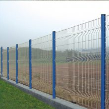 包塑护栏带立柱围网 清远热镀锌隔离栏报价 惠州围墙金属板