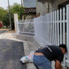 江苏省南京市鼓楼护栏安装锌钢浸塑围墙护栏