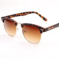 厂家直供  3016经典男女潮流太阳眼镜 复古米钉墨金属框太阳镜
